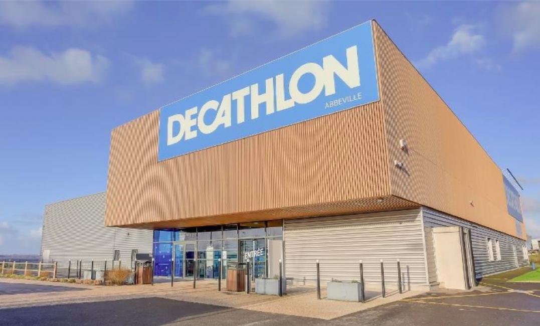 Decathlon cède les murs de 27 de ses magasins français