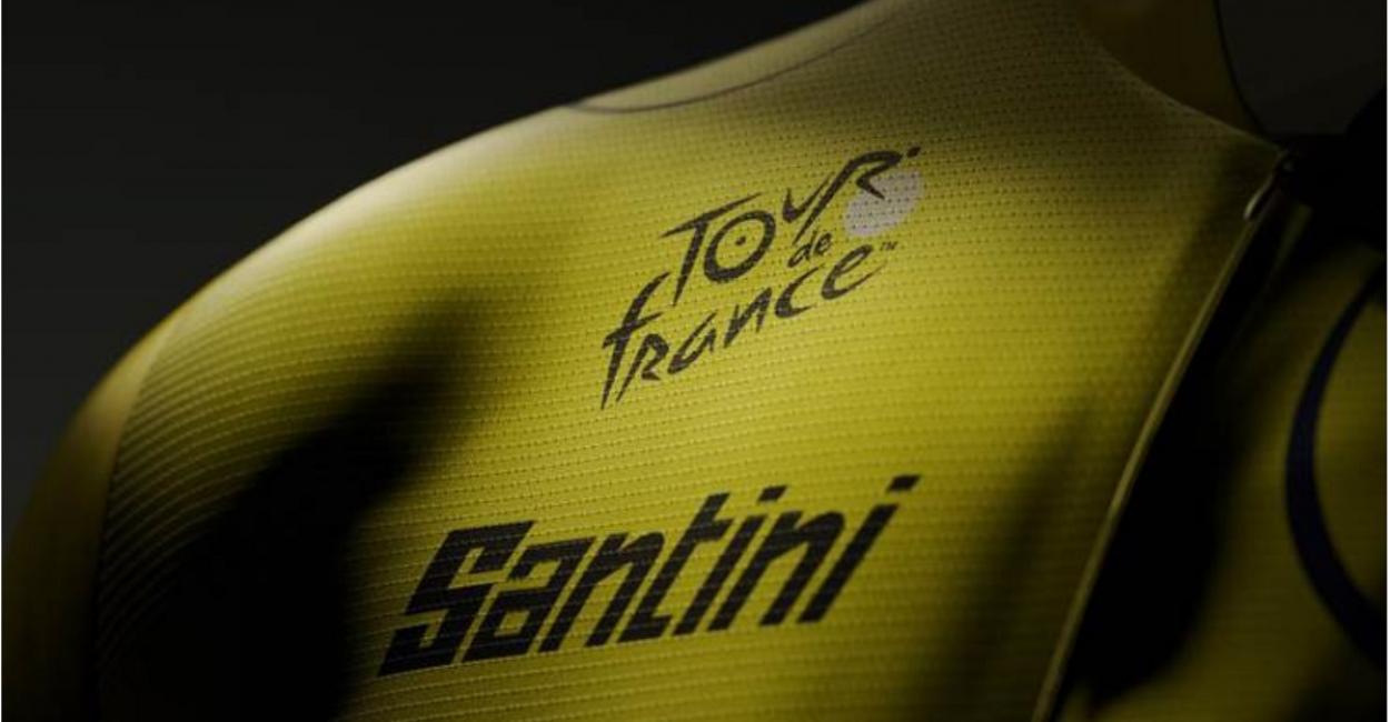 Santini monte sur le podium du Tour de France